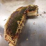 お好み焼き 八昌 - マイペースで食べて行きます。