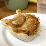 小三郎 - 餃子 1個食べちゃいました