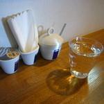 クロッチョカフェ - 2011年11月、初めての「クロッチョカフェ」さん!!!混雑する前に早めに来店。僕はカウンターに座ります(^^)