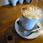クロッチョカフェ - 2011年11月。食事に追加「カフェオレ」350円(セット割引)凄いボリューミー(^^;