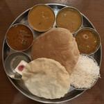 157874949 - 『南インド肉料理ミールズ(2300円)』