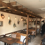 NEW NORMAL CAFE - 内観