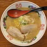 豚吉 - とんこつラーメン 770円