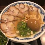博多麺房 赤のれん - チャーシュー麺+ネギ・味玉トッピング