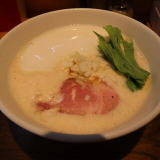 ふく流らーめん 轍  - 料理写真:ふく流らーめん(770円、斜め上から)