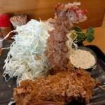 とんかつ しお田 - 料理写真:海老ひれ御膳2000円税込 内税表記、聳り立つエビタワー