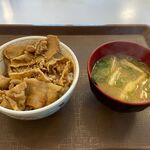 すき家 - 料理写真:豚丼ミニ+味噌汁(320円+80円)