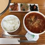 吉祥 - 日替わりサービス ユッケジャン定食(800円)