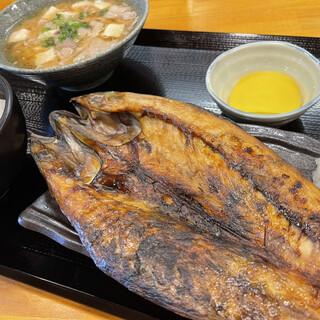 大サバ豚汁定食980円(税込)