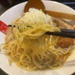 高田 煮干しと焼き味噌 豆亭 - シコシコ麺