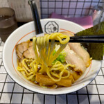 81番 - 三河屋製麺製の中太平打ち麺