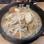麺や ZEっ豚 - 味玉ちゃんぽん ボリューム!!