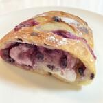 タニロクベーカリーパネーナ - ブルーベリーとクリームチーズのロデヴ