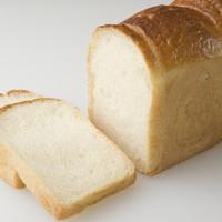 プレザン - 厳選素材の食パン 山食 1斤 220円