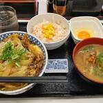吉野家 - 月見牛とじ丼肉2倍盛り(秋限定)+Aセット(とん汁)