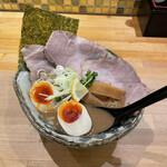 麺屋 蝉 - 料理写真:特製らーめん