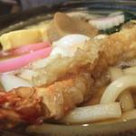 満留賀 - 鍋焼きうどんはかなりの迫力
