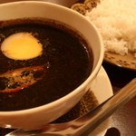 ムンランギットカフェ - 料理写真:月空カレー☆とろとろ角煮の 黒カレー スパイスたっぷり後引く辛さ! 数量限定です