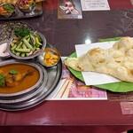 シャングリラ モティ - 料理写真:カシミールタンドールチキンランチ
