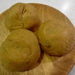 ぱん工房 うらら - 雑穀のロールパン 3つで150円
