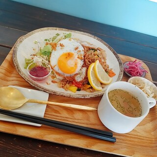 zakka+cafe KICHI. - 料理写真:ガパオライス