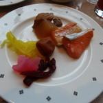 15796523 - 鮭とお新香