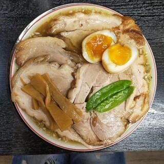 みずさわ屋 - 料理写真:煮卵入り柔らかバラ肉そば…1177円 税込