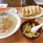 餃子家 とーか - 料理写真:
