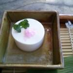 15798971 - お豆腐に梅塩
