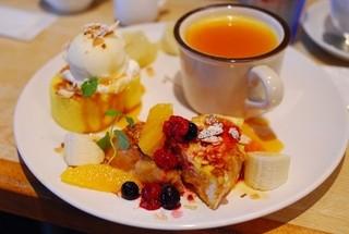 自家焙煎珈琲ロースタリー - おまかせデザート3種盛り