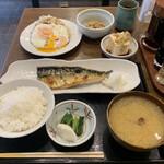 157999952 - ・鯖の塩焼き                       ・ハムエッグ                       ・冷奴(ミニ)                       ・納豆                       ・定食                        ご飯                        味噌汁⇨あさり汁に変更                        お新香