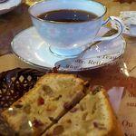 味珈豆結 - ブレンドコーヒーと具沢山のケーキ