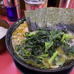 上越家 - 中盛ラーメン(¥820)+ほうれん草と小松菜のミックス増(¥150)+のり増し(¥100)+白ライス大(¥200)
