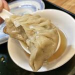 中華処タカノ - この大きさなのに薄皮なのでワンタンの様な食感