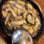 モンブラン - ビールセット(ムール貝のアヒージョ)
