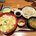 亀甲堂 - 水郷赤鶏の親子丼セット