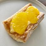 スクラッチベーカリーYOU - 料理写真:クリームチーズと甘夏