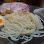 らーめん 鶴武者 - 麺