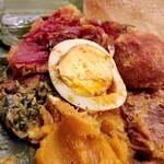 アプサラ レストラン&バー - カトゥレットにゆで卵 かぼちゃに青菜にビーツ、 マンゴーのようなフルーツの味も!