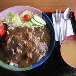 ダンセン - スマトラカレー、味噌汁つき