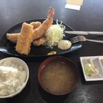 えびせい - ジャンボエビフライ定食