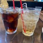 SALVATORE CUOMO & BAR - アイスコーヒーとジンジャーエール