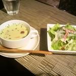 カフェナトゥーラ - スープとサラダ