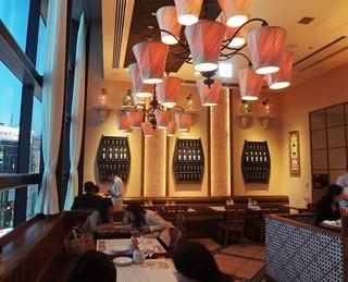 ラ ボデガ 渋谷店 - 窓際のテーブル