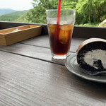 ほんたき山のカフェ - ハーレー和尚の黒巻菓子(黒ロールケーキ)