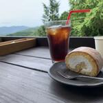 ほんたき山のカフェ - 本瀧寺巻菓子(白ロールケーキ)