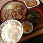 お食事処 三福 - しょうが焼き定食(500円)
