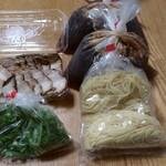 味よし - チャーシュー麺¥880×2 テイクアウトの紹介