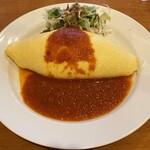 たまたまタマゴ - 料理写真:チーズオムライス トマトソース