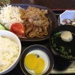 紅梅 - ショーガ焼定食